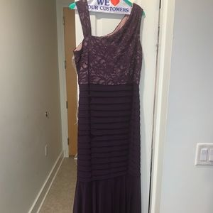 Purple floor length formal or evening gown.Size 14